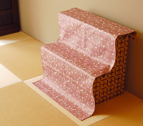 壇掛付の組み立て式・収納可能な盆棚の例